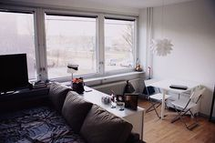 ワンルームや狭い部屋、小さいアパートで丸見えになってしまうベッドルームを上手に見せて、上手に暮らすアイデア。