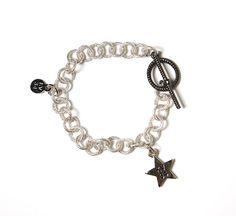 El estampado estrellado ochentero de D&G, nosotras lo aplicamos a nuestras pulseras.  Ya a la venta online!
