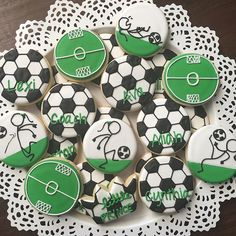 This listing is for 1 dozen (12) Soccer ***If ordering less than two weeks in advance please message me for availability.***  These cookies are both beautiful and delicious! Sure to make your loved one feel special! All COLORS can be CUSTOMIZED.  Your order will include:  6 Soccer Balls 3 Soccer Players 3 Soccer Goals ***All soccer balls available upon request!***  Flavor choices include Almond or Vanilla. (All cookies must be the same flavor.)  All cookies come sealed in a clear cellophane…