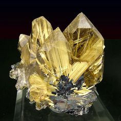 Other minerals, such as rutile or tourmaline, may become part of the quartz crystal as it grows and includes the external mineral Quartz Rutile, Quartz Crystal, Crystal Sphere, Rose Quartz, Minerals And Gemstones, Rocks And Minerals, Raw Gemstones, Beautiful Rocks, Mineral Stone