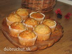 Fotorecept: Vanilkovo-banánové muffiny - Muffiny sú chutné, vláčne a vďaka vanillínovému cukru pri pečení rozvoňiava celý dom :)