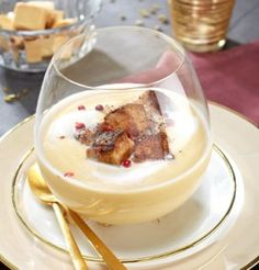 Cream of white coconut and pan-fried foie gras - Trend Appetizer Fine Dining 2019 Shot Glass Appetizers, Cooking Time, Cooking Recipes, Healthy Breakfast Recipes, Food Presentation, No Cook Meals, Food Inspiration, Appetizer Recipes, Food Porn