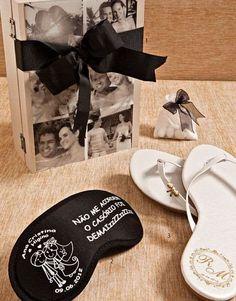 lembraça casamento mascara e chinelos