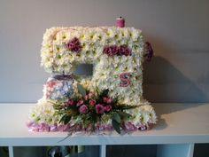 3 d funeral tribute - sewing machine #ammiflowers #funeralflowers #sewingmachine