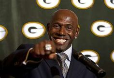 Donald Driver, the Green Bay Packers' all-time leading receiver Nfl Green Bay, Green Bay Packers, Donald Driver, Packers Football, Go Pack Go, Dancing With The Stars, Sports Teams, Fun Things, Wisconsin