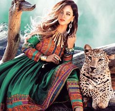 Here are the latest Pakistani pathani frock designs and Pakhtoon dresses for girls in Pakistan. Vibrant colors of Pakhtoon frock styles are trendy. Pin Up Girls, Afghan Wedding Dress, Afghanistan Culture, Afghani Clothes, Night Gown Dress, Boho Fashion, Fashion Dresses, Afghan Girl, Afghan Dresses