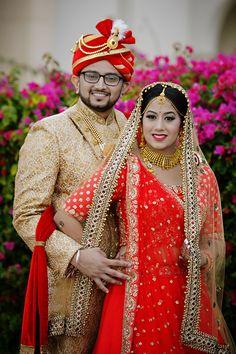 Hindu Wedding Photos, Indian Wedding Poses, Indian Bridal Photos, Indian Weddings, Indian Wedding Couple Photography, Indian Wedding Photographer, Mehendi Photography, Photography Ideas, Couple Wedding Dress
