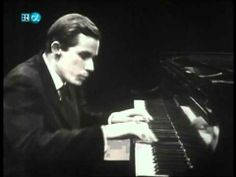 ▶ Glenn Gould-Hindemith-Piano Sonata No.3-Fugue (HD) - YouTube