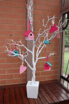 Painted tree branches with hearts and birdhouses.cute for Valentine's Day! Painted tree branches with hearts and birdhouses.cute for Valentine's Day! Birthday Party Decorations For Adults, House Party Decorations, Bird Birthday Parties, Valentines Day Decorations, Valentine Day Crafts, Owl Parties, Valentine Tree, Bird Houses Painted, Bird Party