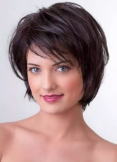 layered bob hairstyles These great short layered bob with bangs images here will guide for a new appereance and amazing experience. Lets take a look these chic short haircuts Short Haircuts With Bangs, Short Layered Haircuts, Layered Bob Hairstyles, Hairstyles With Bangs, Straight Hairstyles, Braid Hairstyles, Pretty Hairstyles, Medium Bob With Bangs, Short Bobs With Bangs