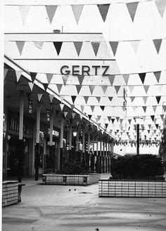 Mid Island Plaza - Gertz
