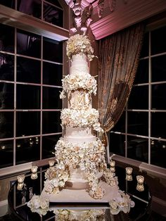 Get the Sweet Details on Tracy Morgan's 5-Foot-Tall Wedding Cake (PHOTO) http://greatideas.people.com/2015/08/28/tracy-morgan-wedding-cake/
