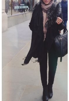 Street fashion. #hijab
