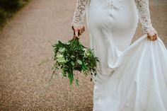 Botanic Gardens bridal bouquet of wild greens and soft whites // www.tupelotree.co.uk