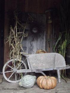 Home of The Mountain Dweller: Fall 2014 Primitive Autumn, Primitive Pumpkin, Primitive Homes, Primitive Decor, Garden Wagon, Autumn Decorating, Porch Decorating, Decorating Ideas, Decor Ideas