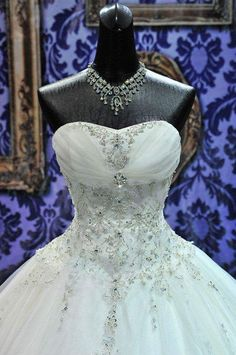 New Ball Gown Crystals Princess Wedding Dresses Sweetheart Neck Lace-up Back Luxury Wedding Gowns