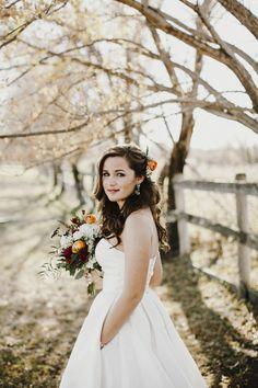 Bismarck, ND Wedding Photography - Bride, dress, makeup, bouquet, flowers, fall, outdoors