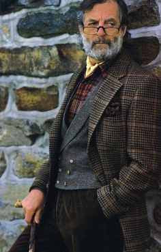 Tweed and tartan jacket vest. Sharp Dressed Man, Well Dressed Men, Tartan, Professor Style, Gentleman Mode, Older Gentleman Style, Vintage Gentleman, Tweed Run, Suit Up