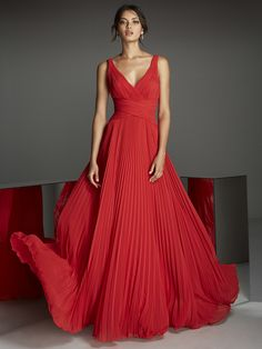 Front of knee-length red cocktail dress with V-neckline in metallic, stretch Mikado and modest V-neck Pronovias Evening Dresses Online, Cheap Evening Dresses, Evening Gowns, Prom Dresses, Wedding Dresses, Chiffon Dresses, Red Cocktail Dress, Red Chiffon, Sequin Party Dress