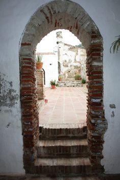 Salares, 10 de noviembre    'Caminando entre limones' | 'Walking over lemons'     Senderismo en familia | Hiking in family        http://www.andalucianature.com/Walkingoverlemons.html