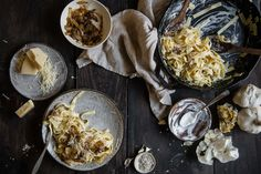 Serving pasta is a failproof way to get dinner on the table fast. Change it up a bit and serve these upgraded pasta dishes instead. You'll be sure to Caramelized Onion & Roasted. Garlic Pasta, Le Diner, Paula Deen, Roasted Garlic, Caramelized Onions, Pasta Dishes, Food Styling, Pasta Recipes, Food Inspiration