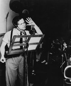 Orson Welles-broadcasting War of the Worlds