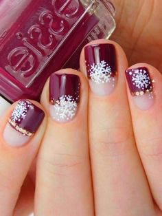 Nails Easy and Eye-catching Christmas Nail Designs Christmas Gel Nails, Christmas Nail Designs, Holiday Nails, New Year's Nails, Red Nails, American Nails, Cocoa Cookies, Makeup Looks For Brown Eyes, Holiday Makeup Looks