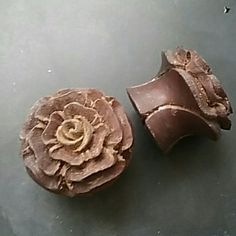 Double flare rose wood plugs 5/8 inch carved rose wooden plugs Jewelry Earrings