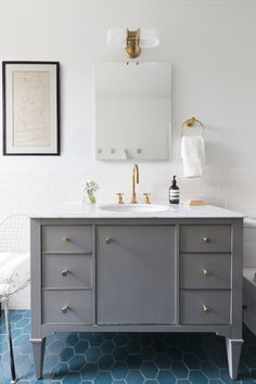 Paula E Guzman Interiors is a Brooklyn-based design studio specializing in bespoke interiors with relaxed elegance. Classic Bathroom, Modern Bathroom, Brownstone Interiors, Gray Vanity, Bath Decor, Portfolio Design, Interior Design, Terracotta Floor, Wire Chair