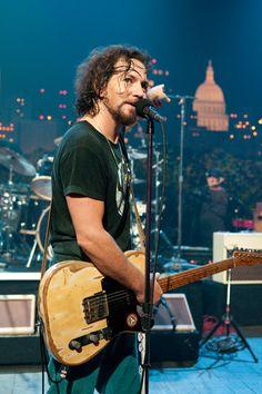 Eddie Vedder, love it! I was there!!!!!