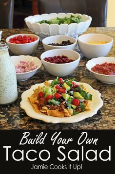 Build your own Taco Salad from Jamie Cooks It Up! Man, I love a good Taco Salad. Fortunately for me, my family loves a good Taco Salad with a passion equal to my own (excepting two little twin boys who groan a bit when Taco Salad is on the menu, d… Easy Taco Salad Recipe, Taco Salad Recipes, Mexican Food Recipes, Beef Recipes, Mexican Dishes, Dinner Recipes, Taco Salad Bar, Taco Salads, Taco Bar