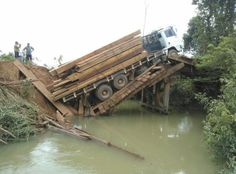 Dorjival Silva: Ponte cai entre Castanheira e Juruena deixando trâ...
