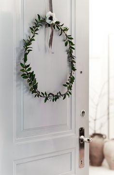 Couronne de style minimaliste avec fleur