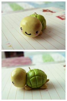 Petite tortue en pâte polymère