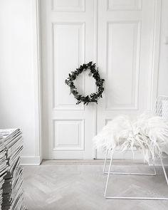 Scandinavian minimalist Christmas decor | Image via vittvittvitt
