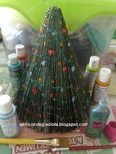 Arbol de navidad hecho de revistas | El rincón de Gladiola