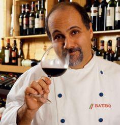 """Na próxima segunda-feira, 9, a Fnac Paulista recebe o chef Sauro Scarabotta para um bate-papo especial, com entrada Catraca Livre. A partir das 19h, o cozinheiro fala sobre """"A viagem do macarrão da Itália para o Brasil""""."""