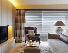 Nicky Goossens   Interieurinrichting   Luxe, elegantie en charme   Luxus Wonen Blinds, Curtains, Home Decor, Luxury, Decoration Home, Room Decor, Shades Blinds, Blind, Draping