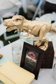 Love these movie-themed centerpieces