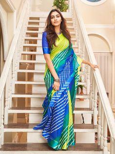 Trendy Sarees, Stylish Sarees, Fancy Sarees, Half Saree Designs, Saree Blouse Designs, Blouse Patterns, Indian Designer Sarees, Indian Designer Wear, Shibori Sarees