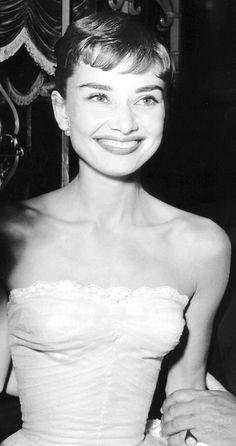 Audrey Hepburn, beautiful smile.