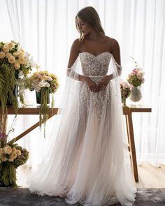 Cute Wedding Dress, Wedding Dress Trends, Best Wedding Dresses, Wedding Styles, Bridal Dresses, Wedding Gowns, Floral Wedding Gown, Wedding Corset, Luxury Wedding Dress
