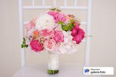 Glass Vase, Floral Wreath, Wreaths, Floral Crown, Door Wreaths, Deco Mesh Wreaths, Floral Arrangements, Garlands, Flower Crowns