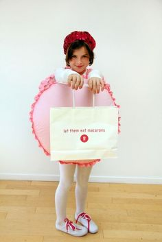 Make a macaron costume with some polyester pillow stuffing, quilt batting, cardboard, pink cloth, and pink ribbon. 19 Brilliant Ways To Dress Like Food For Halloween Food Costumes, Candy Costumes, Diy Costumes, Costume Ideas, Diy Halloween Costumes For Girls, Halloween Dress, Halloween Kids, Halloween Halloween, Holidays Halloween