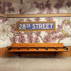 10 famous street artists you should know from Banksy to Blu, to Vhils. This guide to the most famous street artists shows the best urban street art. William Wegman, Surreal Artwork, Lace Art, Embroidered Leaves, Urban Street Art, Mosaic Flowers, Shadow Art, Japanese Artists, Street Artists