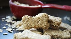 This quick and easy dog biscuit recipe is preservative-free, healthy and delicious! Check out the easy dog treat recipe!