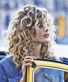 Long Blonde Hairstyles http://coffeespoonslytherin.tumblr.com/post/157339427722/ombre-hair-color-trends-for-short-hair-short