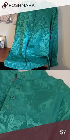 Satiny  sleep shirt sz lg Jade green sleep shirt in a soft silky fabric. Sz lg Intimates & Sleepwear