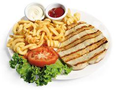 PETTO DI POLLO ALLA GRIGLIA  Leggero e saporito, grigliato e servito con fragranti Patatine fritte o Verdure fresche.