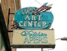 IN, Indianapolis-South East Side Art Center Neon Sign